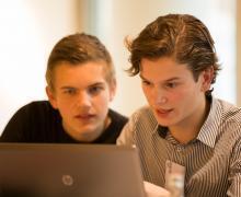 Gamen zorgt voor betere studie-resultaten, sociale media juist niet